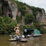 Kiek of Lot Experience Sie Segel mit einem der Karpfenboote zwischen den Felsen